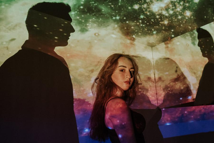 Love in the stars - Magiczna sesja narzeczeńska